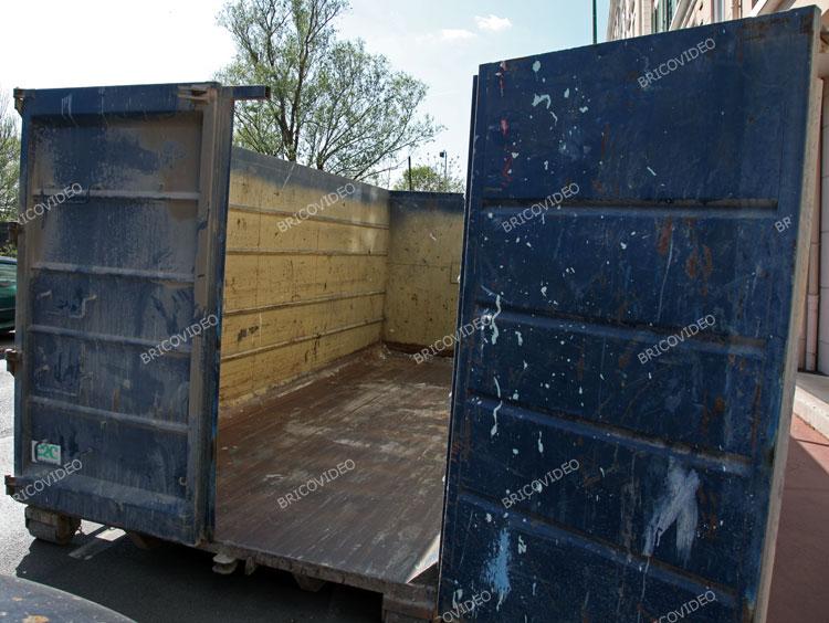 Recyclage récupération d'objets à la benne