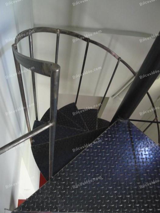 escalier acier helicoidal