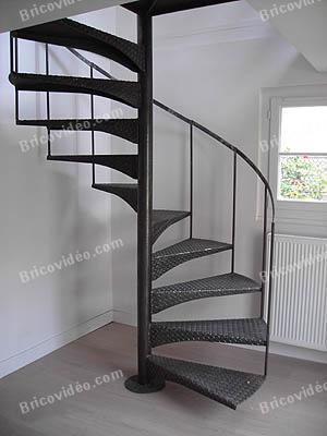 escalier helicoidal acier