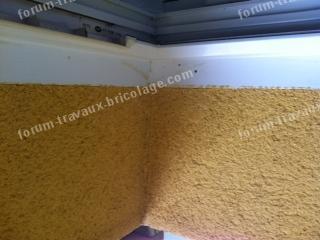 fixer une moustiquaire dans un cadre de fenêtre PVC creux